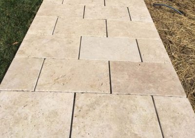 Ivory Travertine Flagstone Pavers Image 2