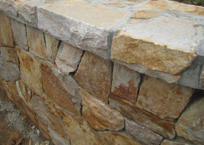 Southern Creme Mosaic Building Stone Image 2